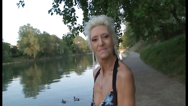 Esposa tetona chupada porno x español delante de su marido a un extraño