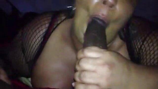 Pareja joven folla en un porno español 18 años prado