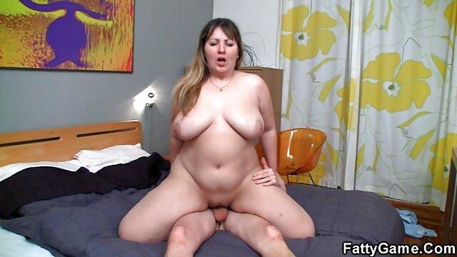 La lujuriosa Dahlia llega a las semifinales en videos porno gratis subtitulados mamada
