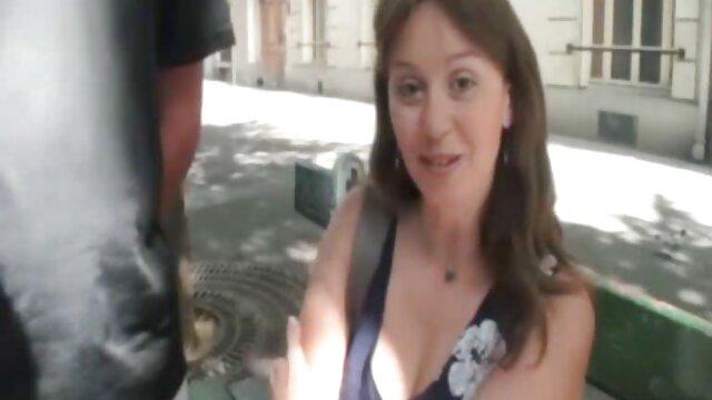 Hermana bonita pelirroja se folla a su hermanastro para hacer la videos gratis en castellano tarea