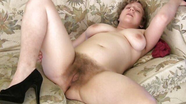 Linda porno en español subtitulado rubia ama tragar semen