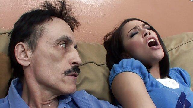 Dos chicas consiguen facial videos eroticos en español