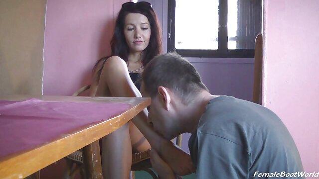Señora de labios folla en videos de tetonas españolas anal con un taxista