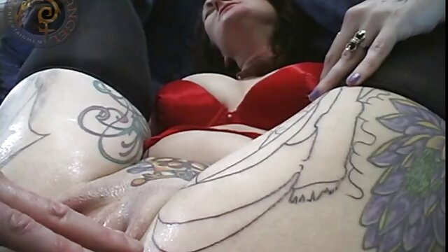 Madura tetona belleza folla en el trabajo con un lindo porno gratis en español colega
