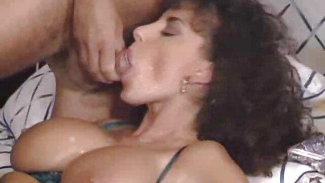 Hermosa masturbación coño afeitado videos porno traducidos al español